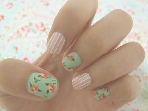 Nailspiration Beautiful Floral Nails