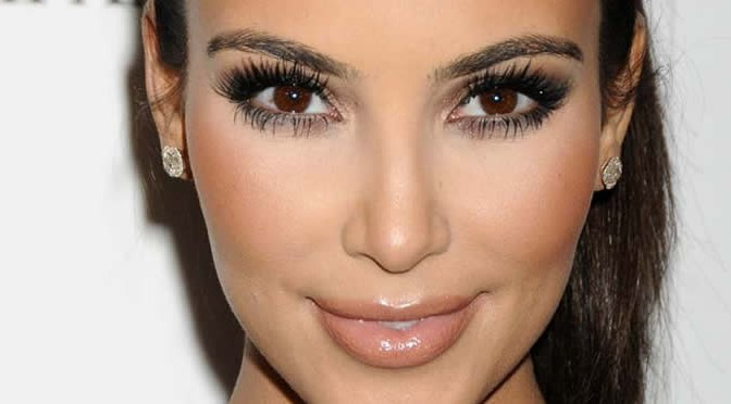 Kim Kardashian's Smoky Eye Makeup Video Lessons