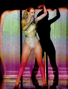 iggy-azalea-american-music-awards-2014-amas beauty