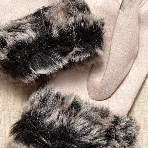 Moon Cats Fur Cuffed Off-White Gloves