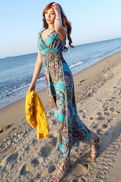 Beach Wave Hairstyle with Maxi Dress