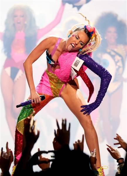 Miley Cyrus MTV VMA Awards 2015 My Little Gaga