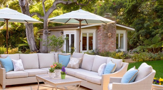 6 Ways to Create an Outdoor Living Space