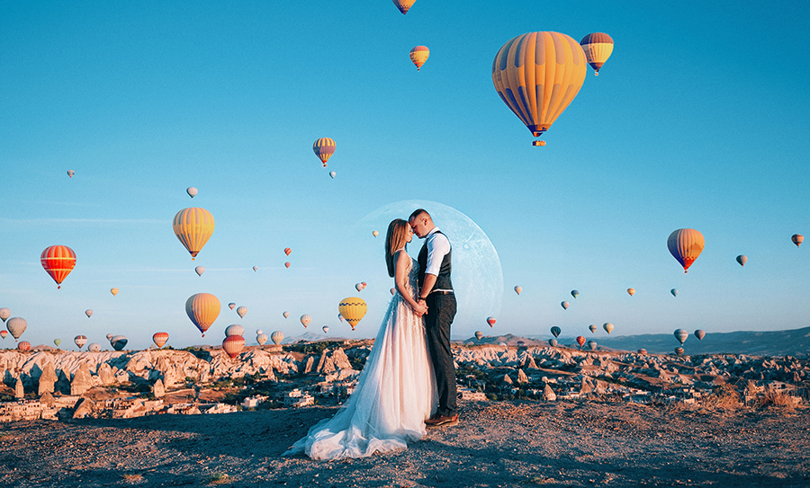 Hot air balloons on wedding day