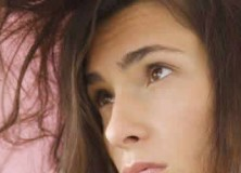 Ten Tips For De-Frizzing Your Hair