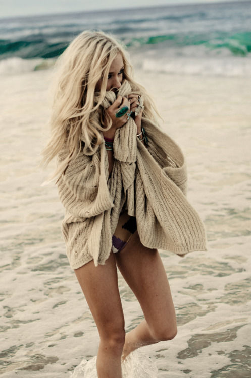 Cozy beach sweater beachy waves hairstyle