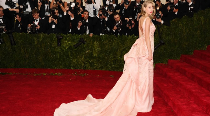 Taylor Swift's Met Gala Beauty & Fashion
