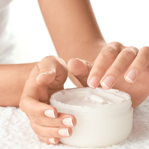 woman hands in creme