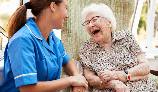 Tips to Consider When Choosing A Senior Home Care Service Provider