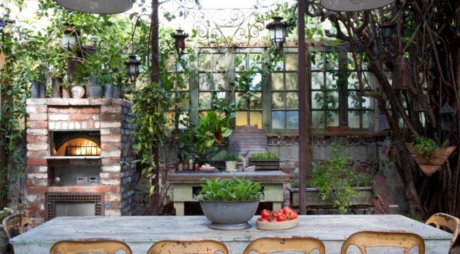 outdoor room patio